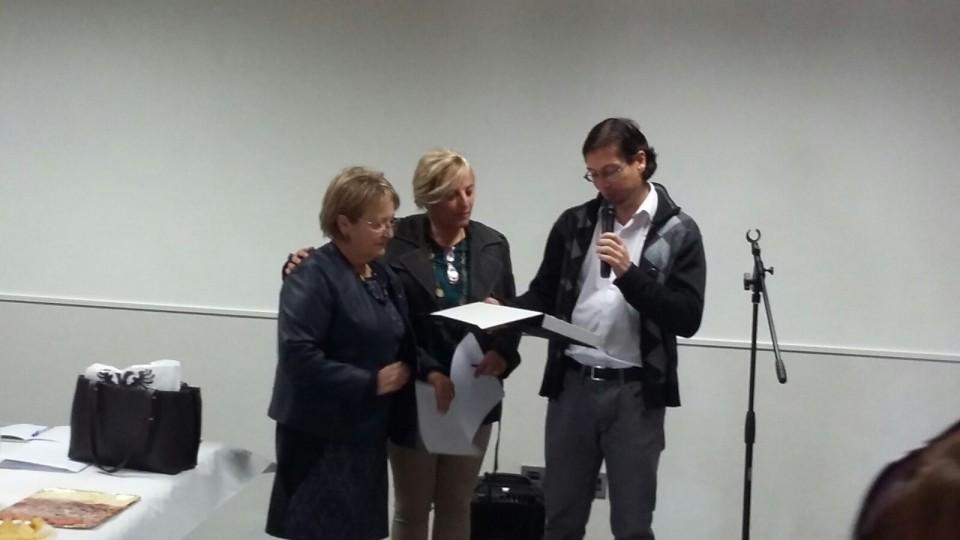 El ayuntamiento de nambroca reconoce la labor de la asociación de mujeres las nambrocas