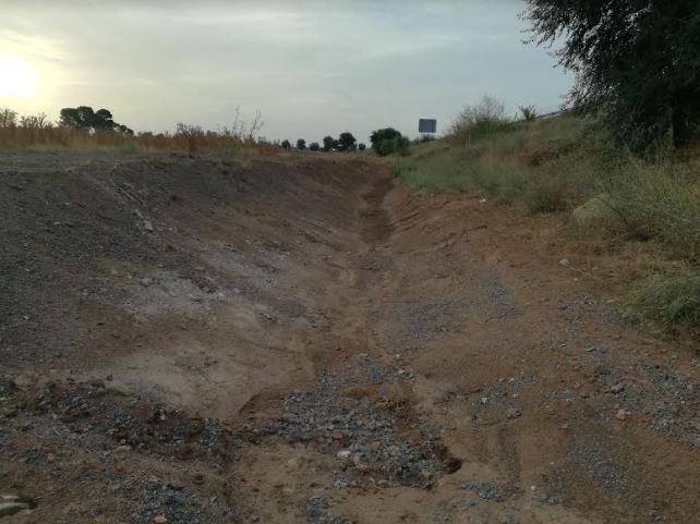 El Ayuntamiento de Nambroca limpia el Canal de Desvío de aguas pluviales