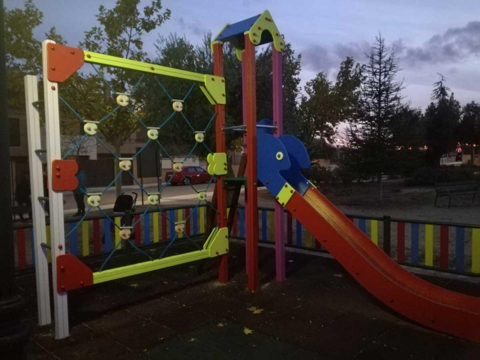 El Ayuntamiento de Nambroca acondiciona el parque del barrio de La Portada